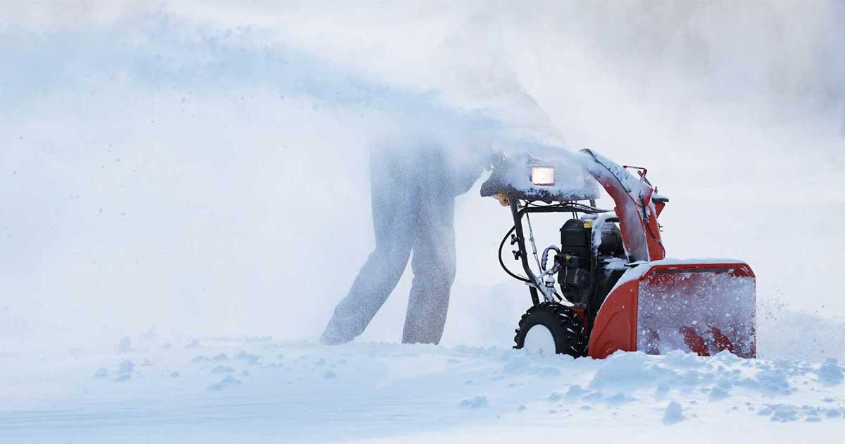 Lumilinko helpottaa lumitöitä huomattavasti